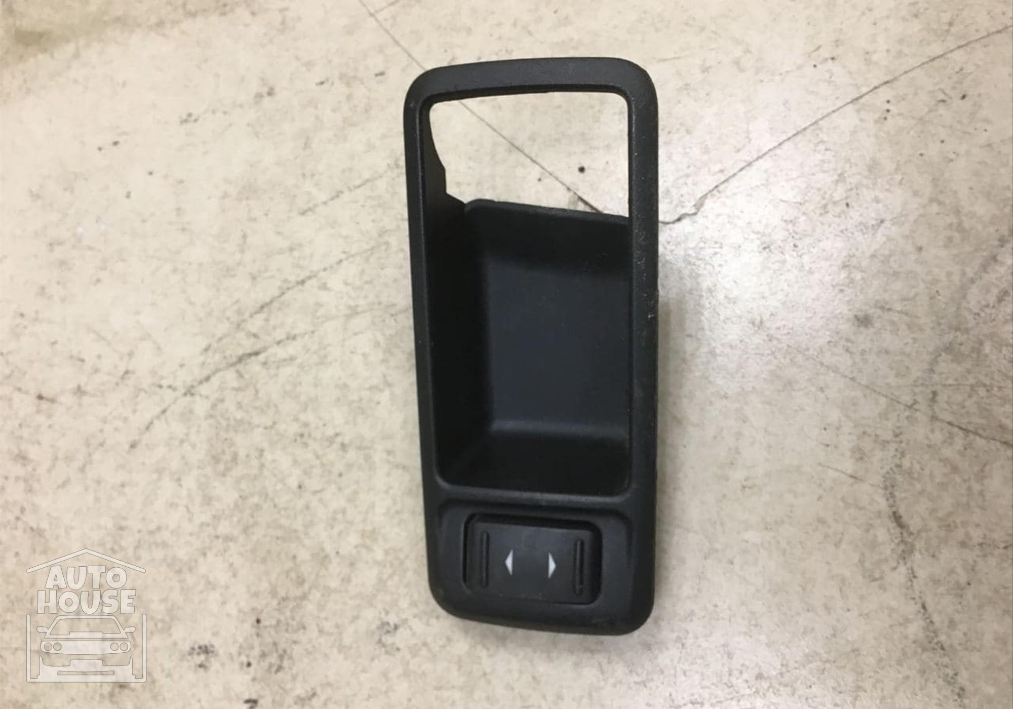 3M51226A36AEW Накладка ручки двери внутренняя правая для Ford Focus II (с 2004 по 2011)