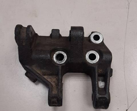 21121001362 Кронштейн генератора нижний для Lada 2112