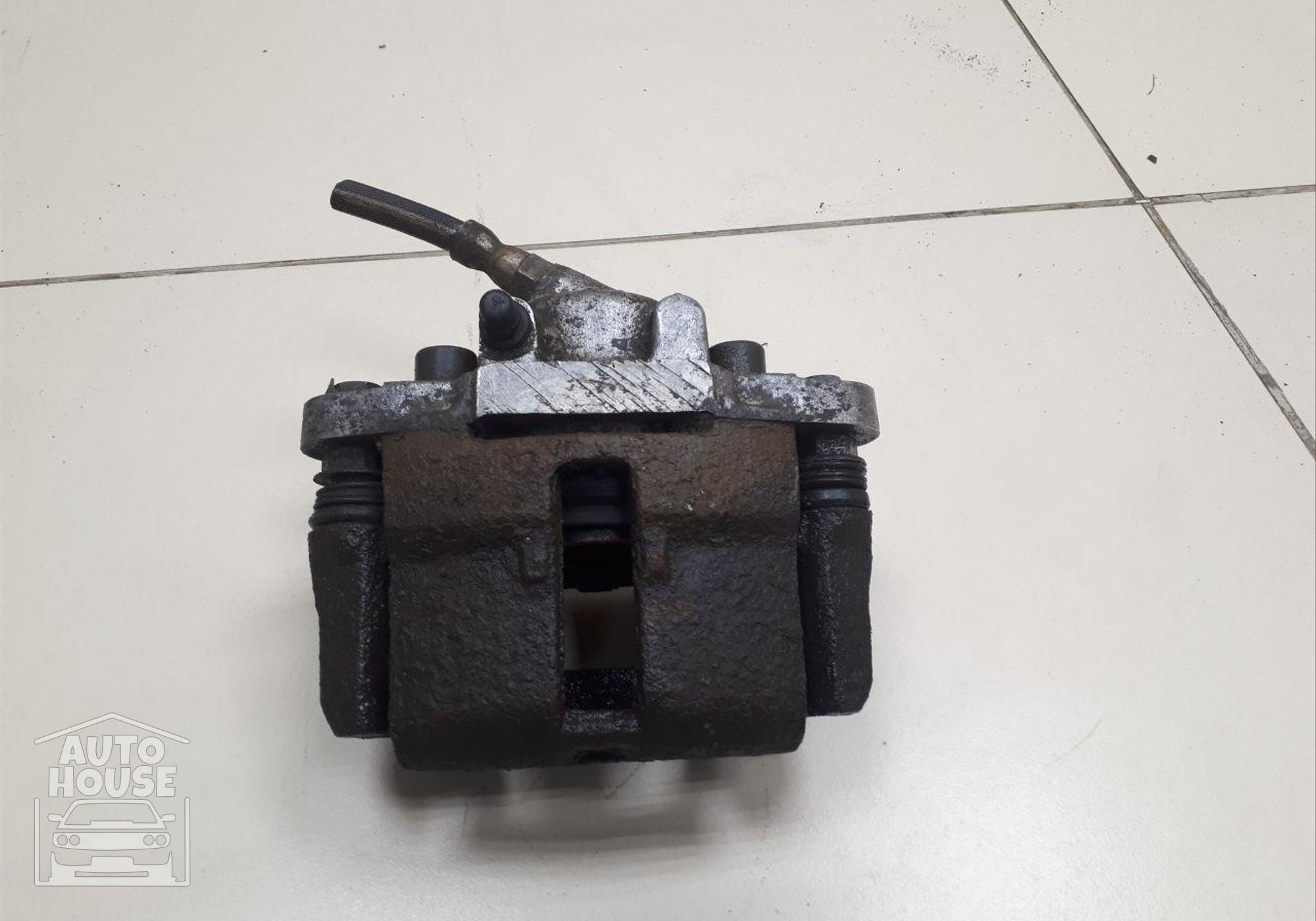 Суппорт правый для Lada 2110