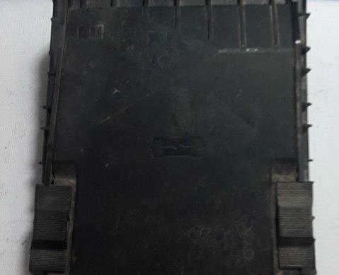 1K0937132F Крышка блока предохронителей моторного отсека для Skoda Octavia II (с 2004 по 2013)