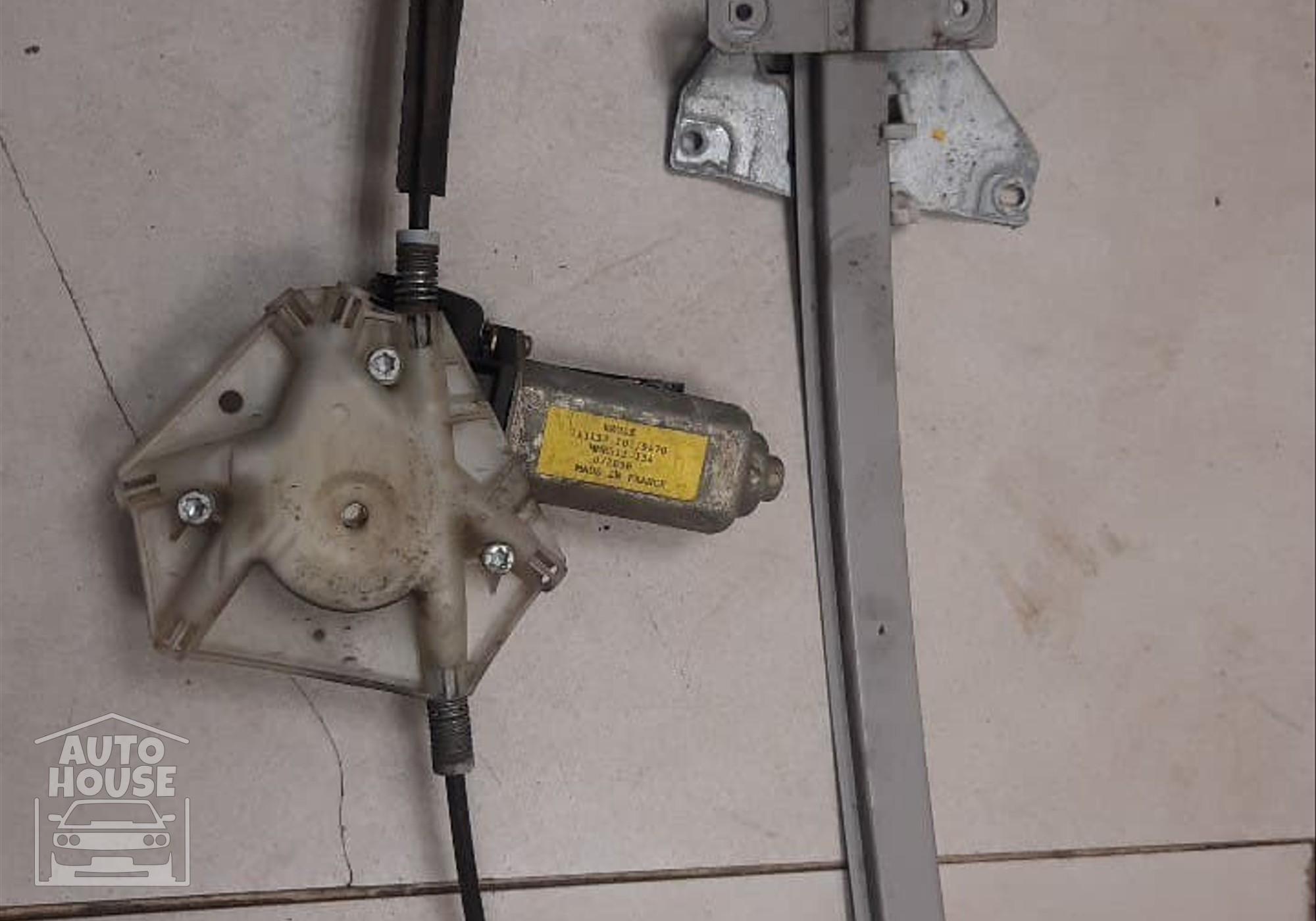 113137101 Стеклоподъемник электрический передний левый для Volvo S40 I (с 1995 по 2003)