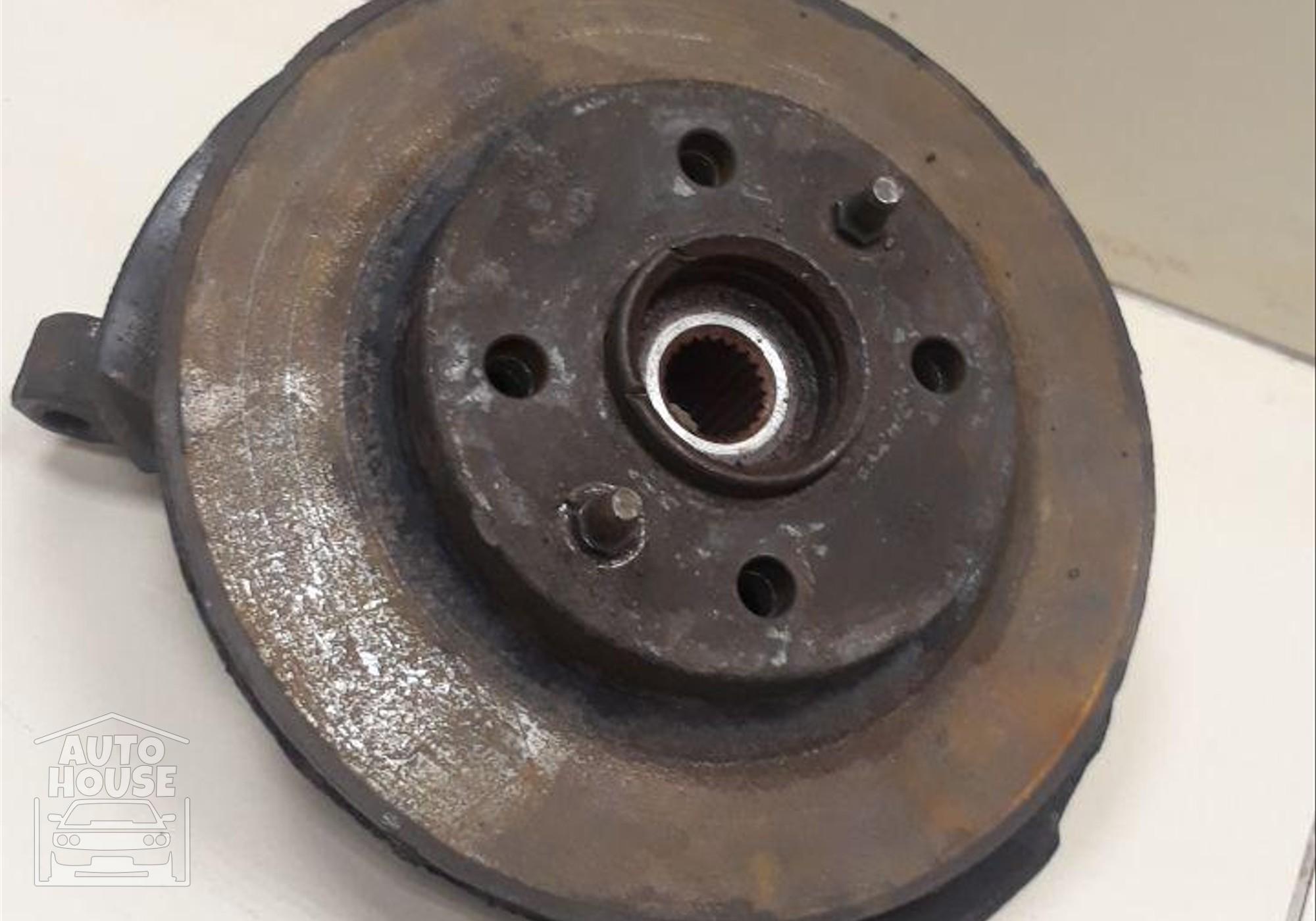 Кулак поворотный левый для Lada 2110