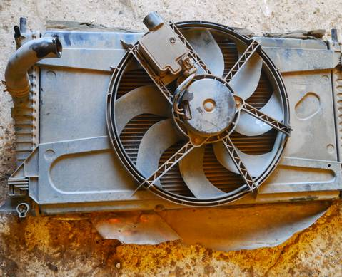 1306759 Вентилятор радиатора для Mazda
