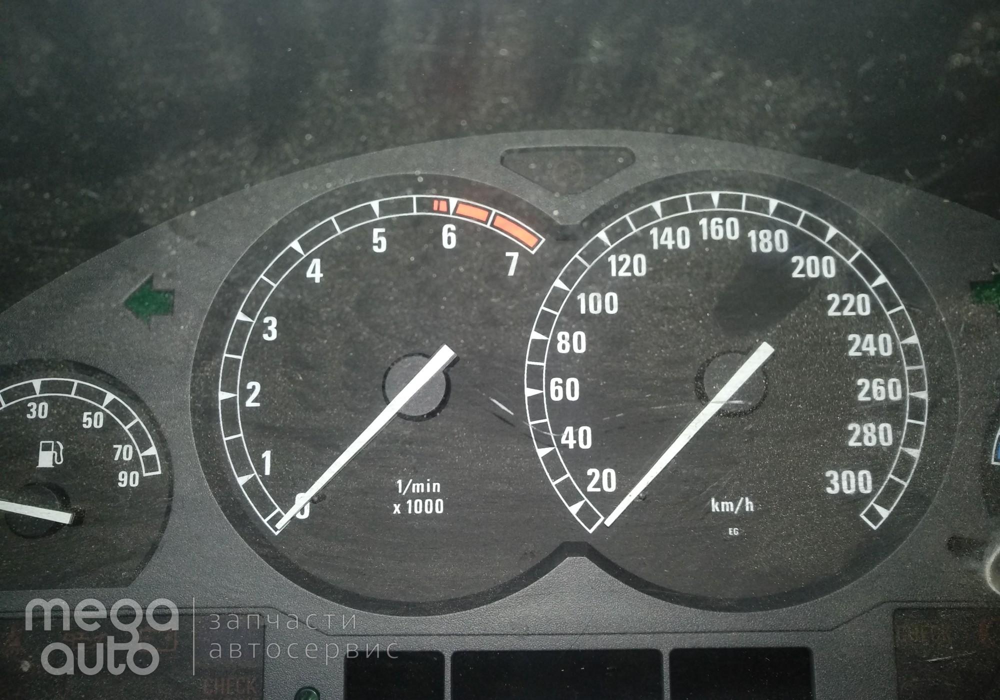 62111383023 Панель приборов бмв 850 5.0 для BMW 8 (с 1990 по 1999)